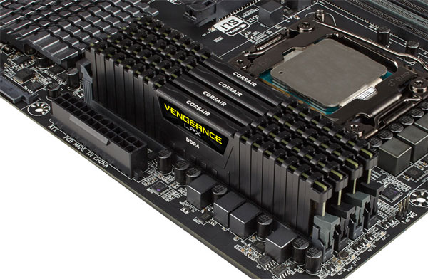 Модули памяти DDR4 объемом 128 ГБ